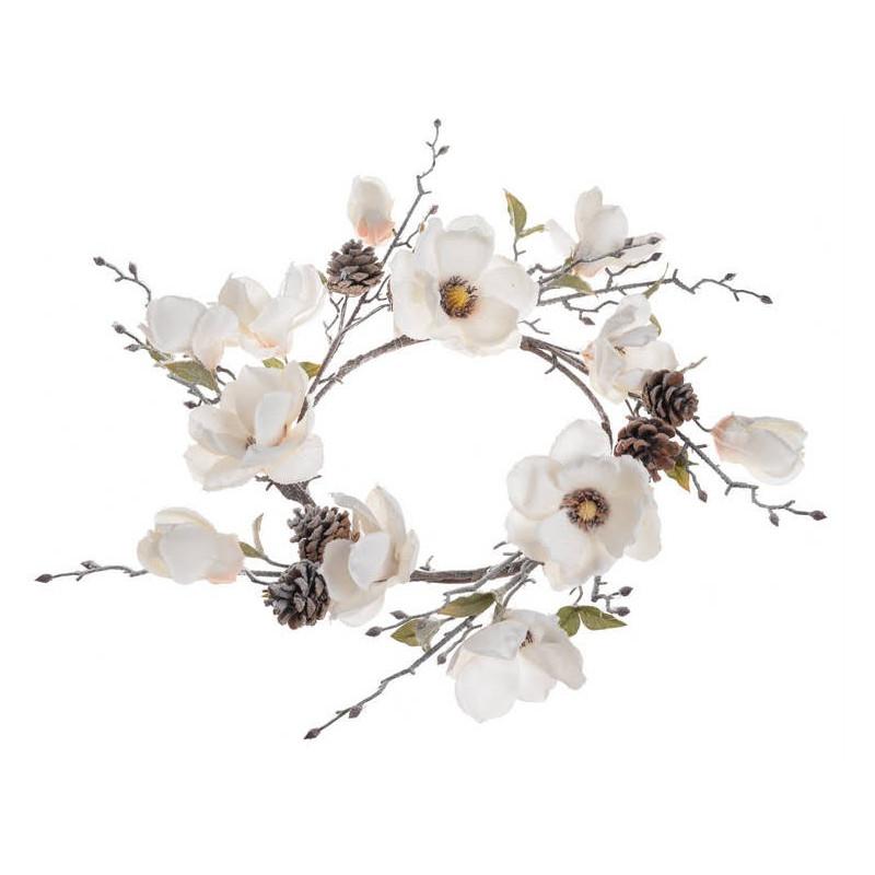 Wianek z ośnieżoną magnolią..55 cm